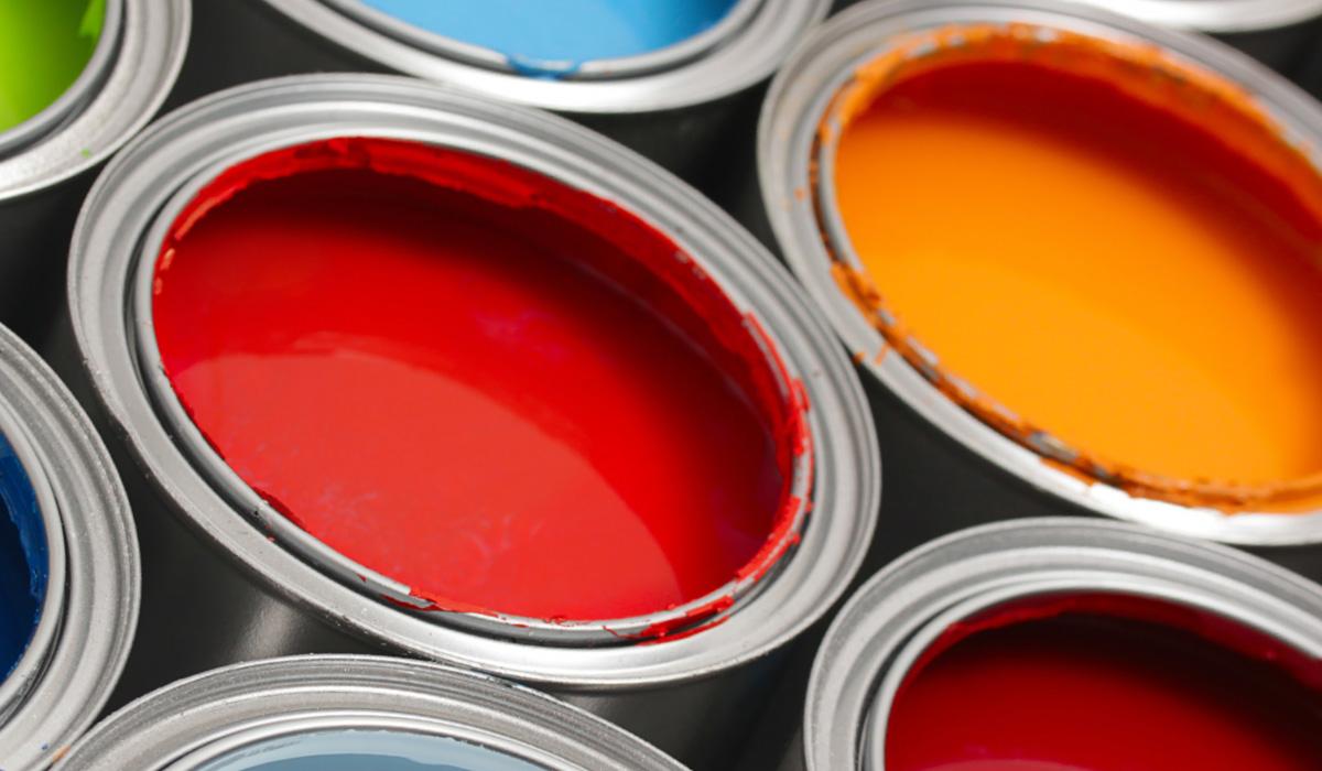 Bild mit Farbeimern